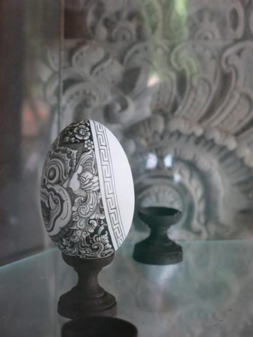 barong egg painting